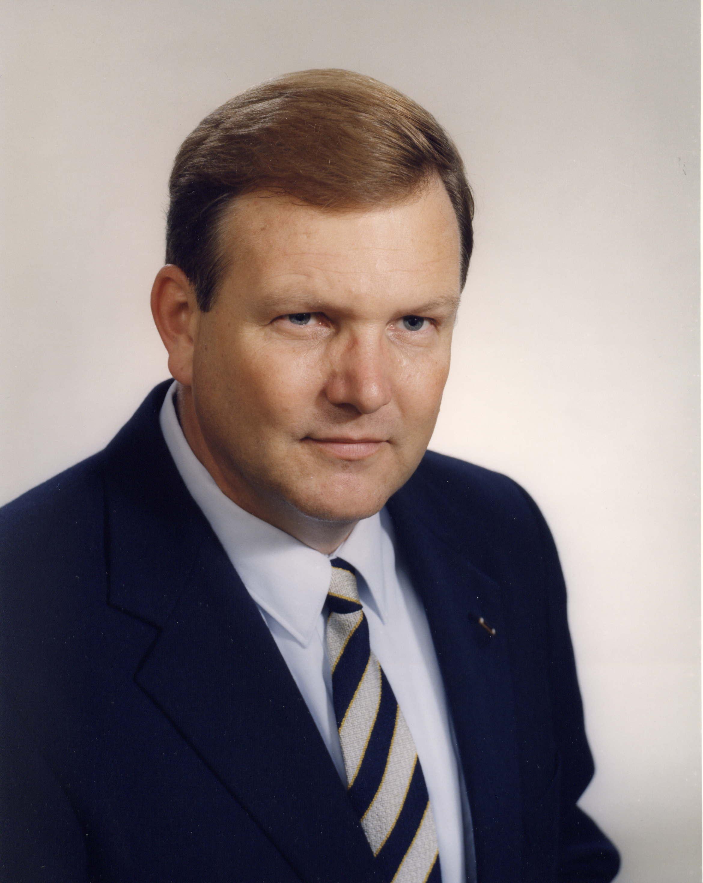 Paul Craig Roberts: biography, education, books 13
